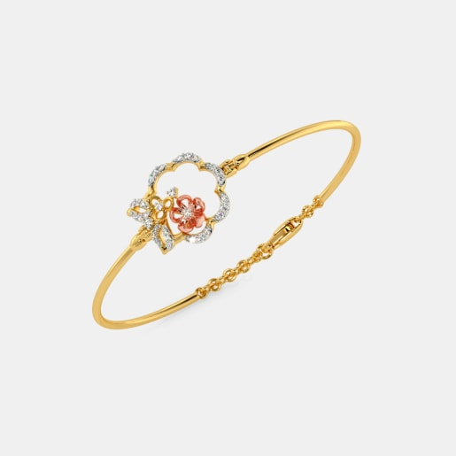 The Mrinali Oval Bangle